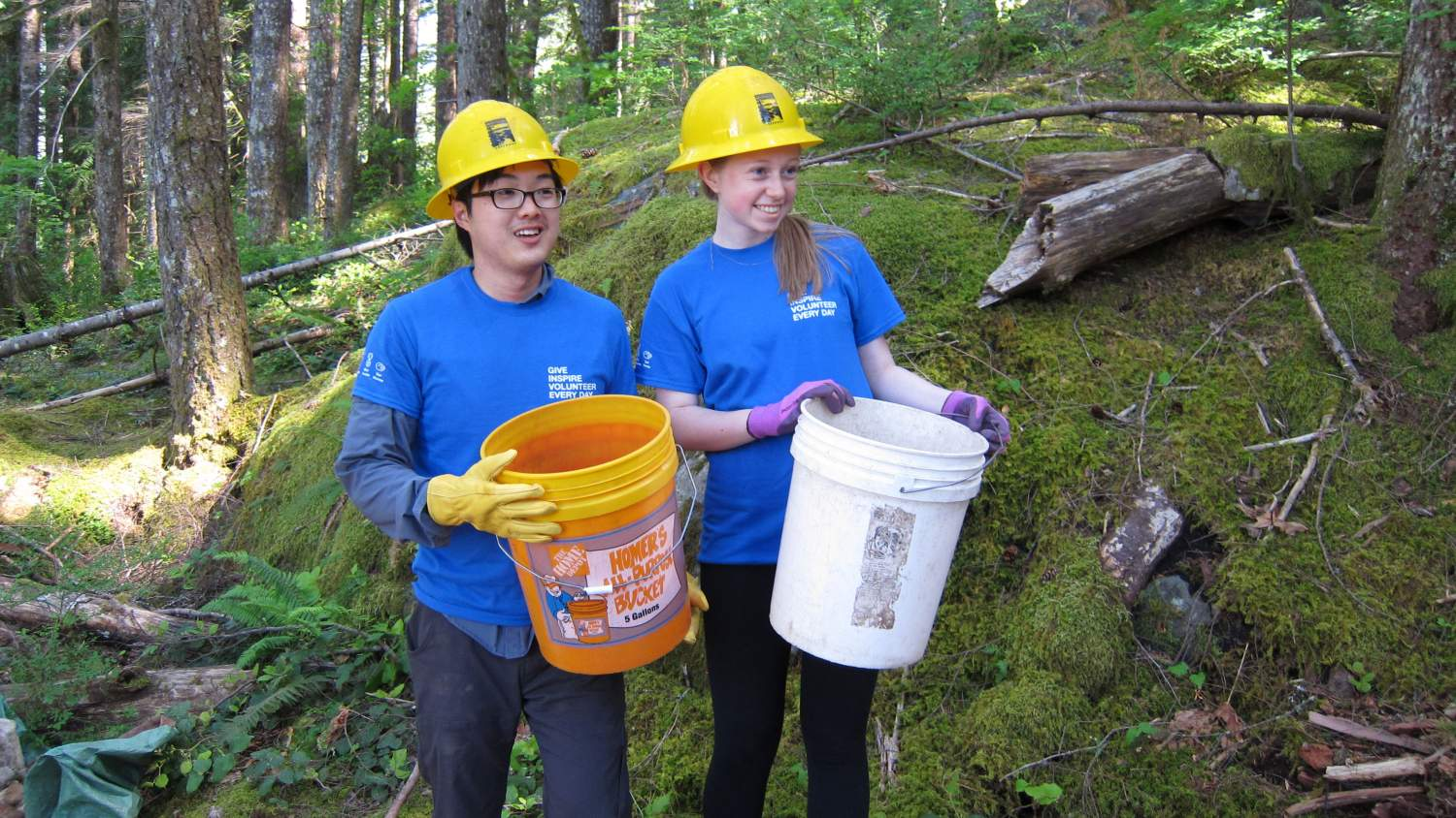 Mountains to Sound Greenway Trust volunteers