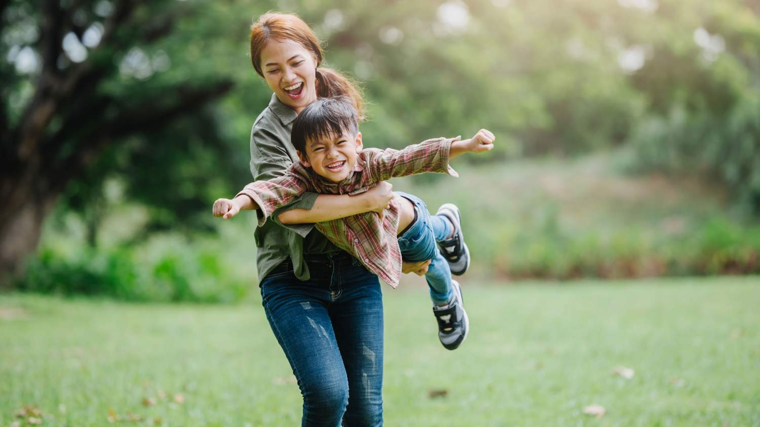 Tap into Your Own Physical Energy—Play Outside With Your Kids! | NEEF