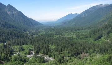 Landscape photo of the Middle Fork Snoqualmie River valley in Washington State