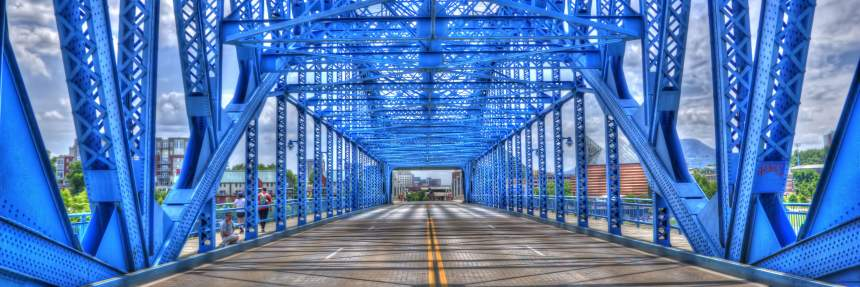 Moccasin Bend National Park: Walnut Street Walking Bridge in Chattanooga, TN