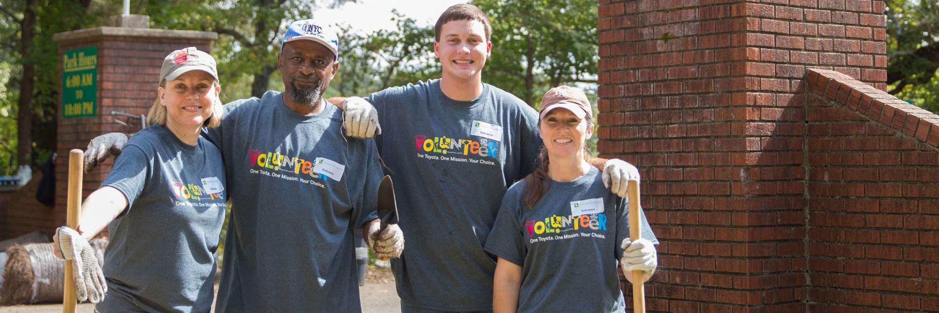 Toyota employees volunteering at an NPLD event